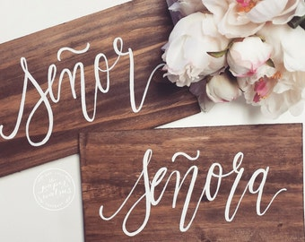 Rustic Wedding Sign, Señor & Señora Signs, Wedding Chair Signs, Spanish Weddings, Photo Prop Signs, Rustic Wedding Decor | The Paper Walrus