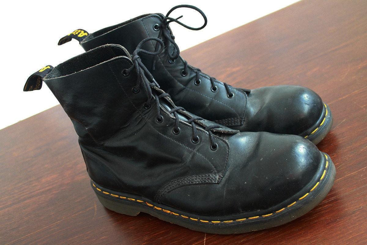 dr martens vintage black leather doc martens boots
