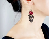 Red flower black lace earrings / vintage crystal beaded green black metal dangly earrings boho gypsy gothic victorian