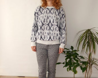 80's vintage women's white blue folk patterned machine knitted sweater/blouse