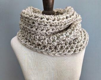 Chunky Cowl Neckwarmer Womens Handmade Circle Scarf Crocheted Infinity Scarf / Oatmeal