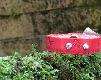 Red leather diffuser bracelet - hand tooled design with clear cystals - personal diffuser bracelet ready to use with essential oils