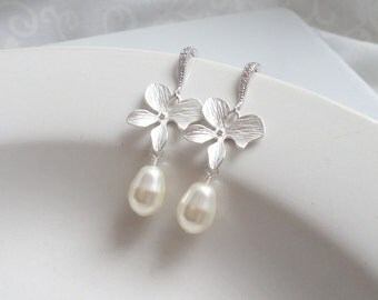 FREE United States Shipping Swarovski Pearl And Orchid Bridal Earrings Bridal Jewelry Orchid Bridesmaid Earrings Bridesmaid Gift
