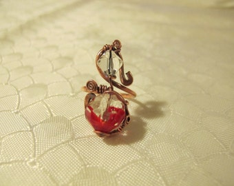 Red and Transparent Ring. Handmade Ring set with Transparent and Red Glass Beads. Copper Wire Wrapped Ring. Spiral Wiring.