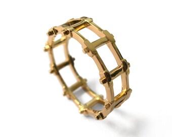 Gold Wedding Band, Men's 18K Gold Wedding band, Wedding ring, Mens ring, mens jewelry, steampunk band, grid ring, rail ring, mechanic ring