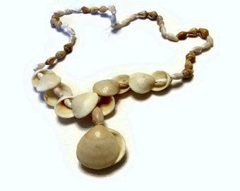 Vintage Shell Necklace (Item 1565)