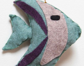 Mobile fishes & pompoms in wool felt