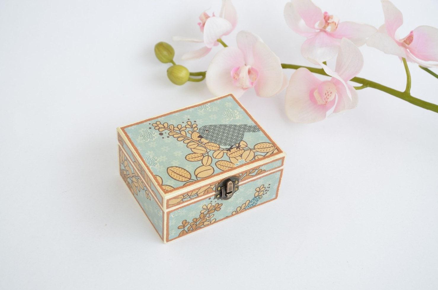 Decorative Jewelry Boxes Ideas : Small decoupaged jewelry box ring bird decor wooden