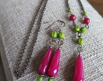 fuchsia and chartreuse necklace, fuchsia and chartreuse earrings, magenta and chartreuse, pink and green, bridesmaid jewelry, bridal party