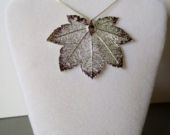 Silver Full Moon Maple Leaf Necklace/Maple Leaf Charm/Maple Leaf Pendant/Nature Jewelry/Genuine Maple Leaf/Real Maple Leaf/Natural Leaf