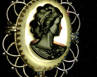 FREE  SHIPPING   Cameo  Whiting  Davis Necklace