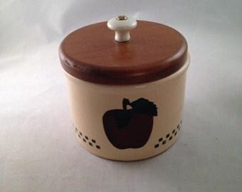 Vintage Robinson Ransbottom Roseville Stoneware Crock With Lid Apple Design