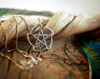 Dynamic Wave Pentacle ~ Star ~ Pentagram ~ Wicca Pagan Witch ~ Sterling Silver Pendant