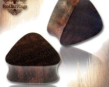 """Pair Organic Triangle Sono Wood Plugs Double Flare Ear Tunnels Tribal Wood Plug Sizes 6g, 4g, 2g, 0g, 00g, 1/2"""" inch 12mm  Wooden Gauges"""