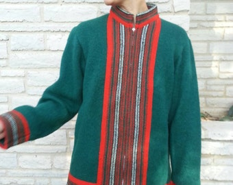size S/M vintage wool zip front cardigan sweater Made in Scotland / Green with red, white trim / fits Tall S or M