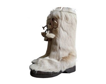 FRENCH 70s white rabbit fur BOOTS // french snow boots  // size eu 38 - us 6- uk 5 // Made in France