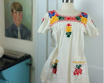 70s Ethnic Boho Tunic Embroidered with Pockets  S/M