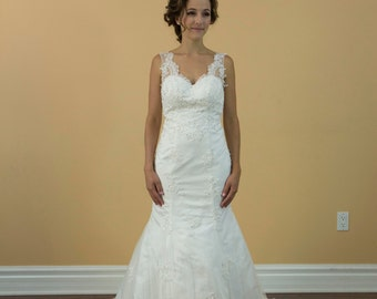 Mermaid white lace wedding dress., Vneck with open back bridal gown