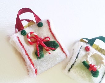 1:12 dollhouse Christmas treats bag / miniature Dollhouse Christmas decoration / Miniature Christmas bag scale 1/12 / Christmas miniatures