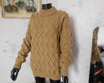 Pull man or women - hand knitted