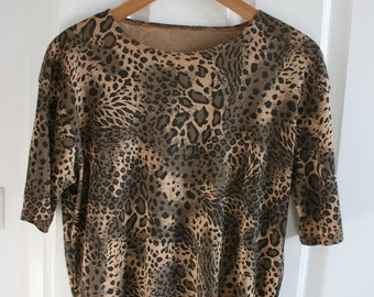 Vintage Leopard Print Top/T shirt. Size 12.