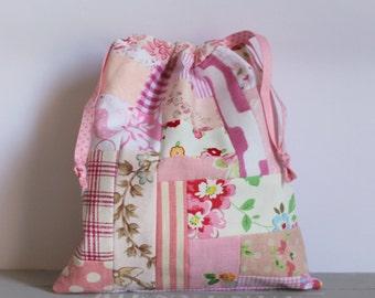 Drawstring bag patchwork pinks