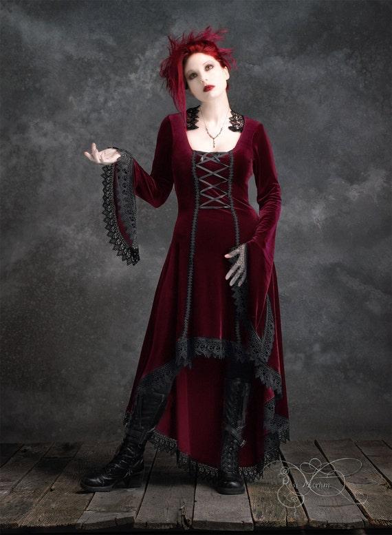 Lavande High Low Fairy Tale Romantic Gothic Wedding Dress in Velvet - Handmade Elegant Goth Renaissance Steampunk Vampire Period-Inspired