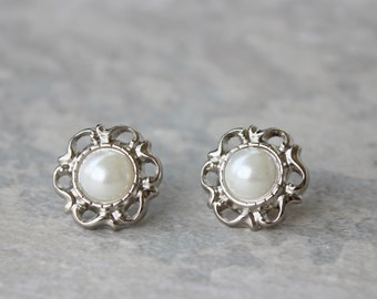 Pearl Bridesmaid Earrings, Pearl Wedding Jewelry, Inexpensive Pearl Earrings, Filigree Earrings, Silver and White Pearl Earrings
