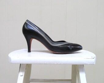 Vintage 1980s Shoes / 80s Black Gray Leather Pumps / Size 7N US