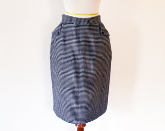 Vintage Houndstooth Pencil Skirt Black and White Knee Length Size Small