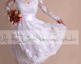 Plus Size short wedding party/reception dress / lace / knee length/ Bridal Gown