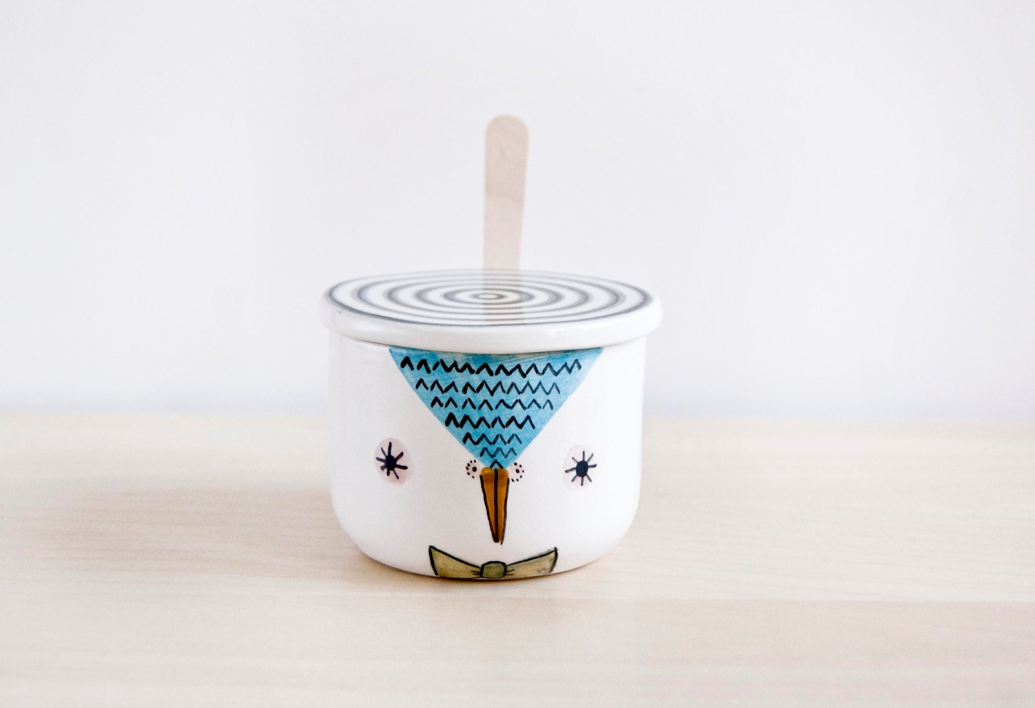 Sugar bowls with lids -  Zoom