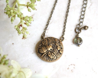 Bee Necklace, Gold Bumblebee Pendant, Silver Bee Jewelry, Honey Bee Jewellery, Daisy Flower Pendant, Bumble Bee Charm, Insect Jewelry
