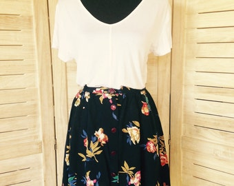 Extra Small Vintage Floral High Waisted Skirt