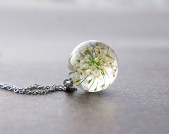 Queen Anne's Lace necklace - real dried flowers in glossy ice resin - Real flowers pendant