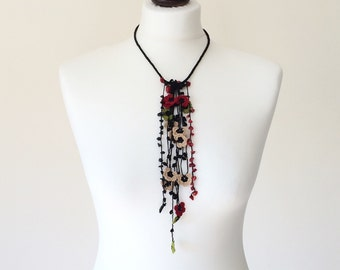 Boho Tassel Necklace, Crocheted Necklace, Tassel Choker, Beaded Bib Necklace, Hippie Collar, Oya Flowers Necklace, Fringed Necklace