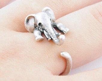 Animal Elephant Ring in Antique Silver