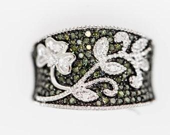 925 Green And White Diamond Ring .