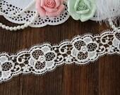 Ivory  wedding lace trim, bridal lace trim, cotton lace, scalloped trim lace for bridal veil,flowers lace