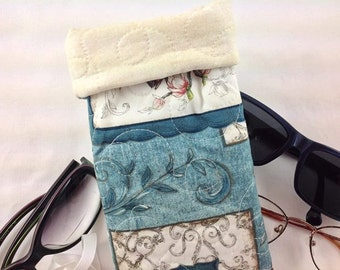 ROOMY Sunglasses Case, WIDE Blue Floral Eyeglasses Case, Eyeglasses Case, Quilted Eyeglass Case