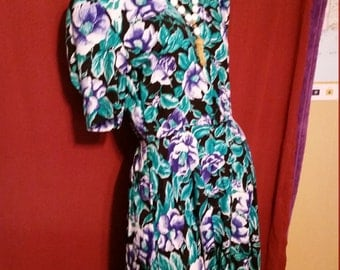 25--Womens dress-Flowers-Front buttons- Zipper-Karen Stevens-Size 8- Rayon-Shoulderpads-1990's Fashion-Dry clean