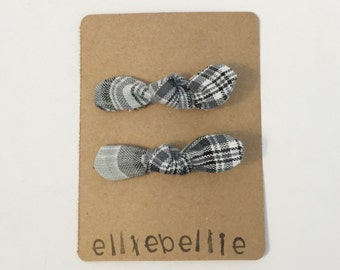 Plaid knot bow clips