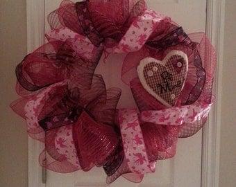 """Valentine's Day """"Be Mine"""" Wreath"""