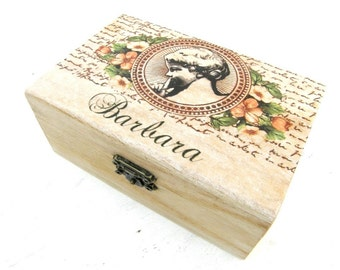 Personalized wooden box,name box,customized box,gift box,my box,handmade decorated box,little wood box,girl box,my name box,unique gift box