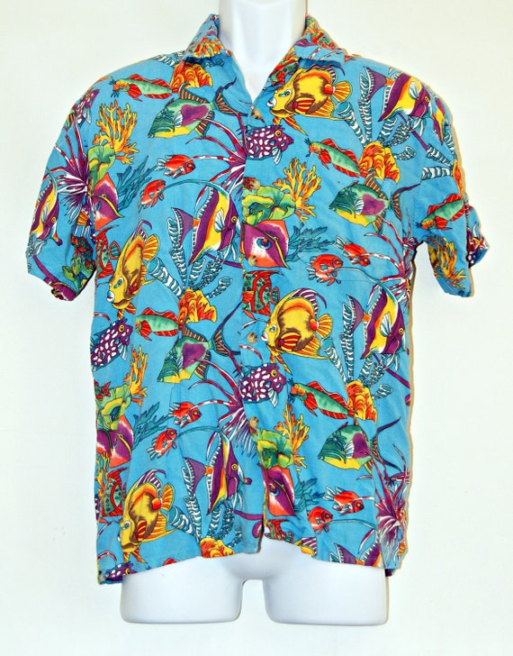Men 39 s tropical fish shirt size medium button down short for Button down fishing shirts