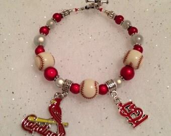 Love this St. Louis Cardinal bracelet!!!! Very FUN:)