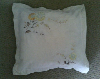 Cushion Cover Unbleached Linen Yellow Daisy pattern