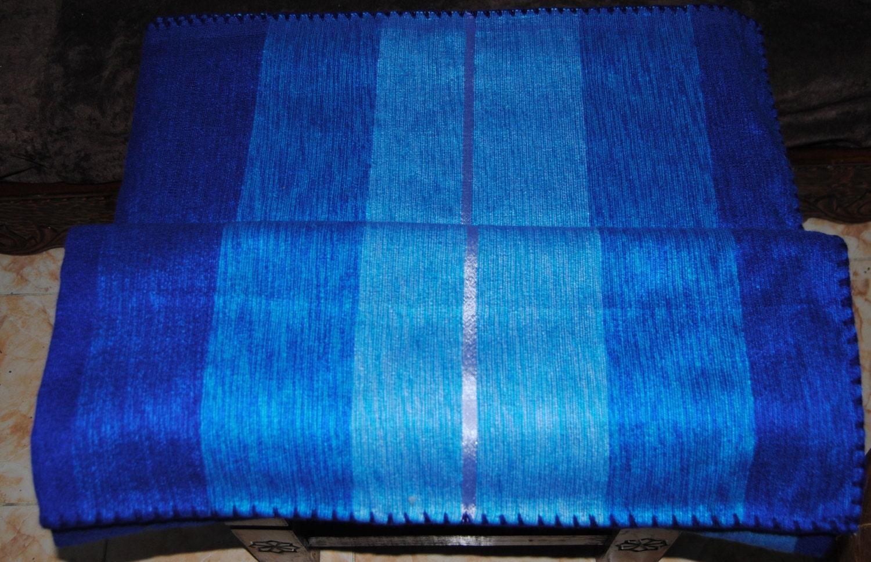 couverture lit et traversin marocaine en laine de la r gion. Black Bedroom Furniture Sets. Home Design Ideas