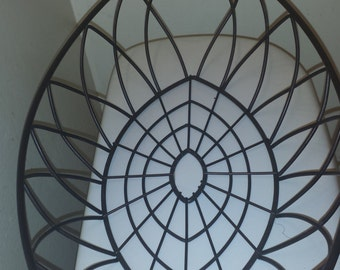 Wire decorative basket