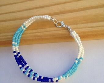 Bracelet adorned with rockeries pearls - Friendship Bracelet.
